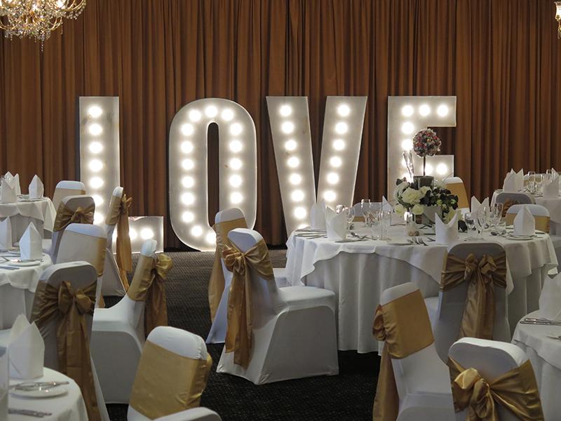 Буквы на свадьбу лове