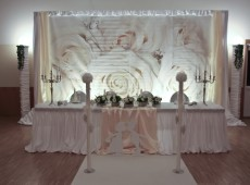 Оформление банкетного стола на свадьбу